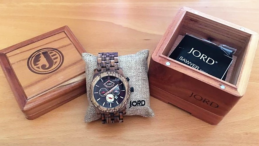 mens-wood-watch